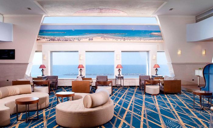 """15 חופשה זוגית הכי קרוב לים - מלון רנסנס ת""""א מרשת Marriott הבינ""""ל"""