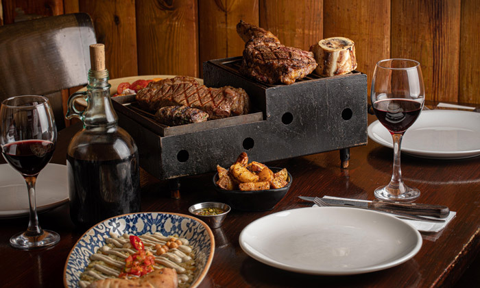 2 רשת רק בשר: ארוחת פרימיום זוגית עם קילו בשרים ויין ללא הגבלה