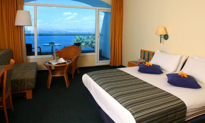 4 אוגוסט במלון גולן, טבריה