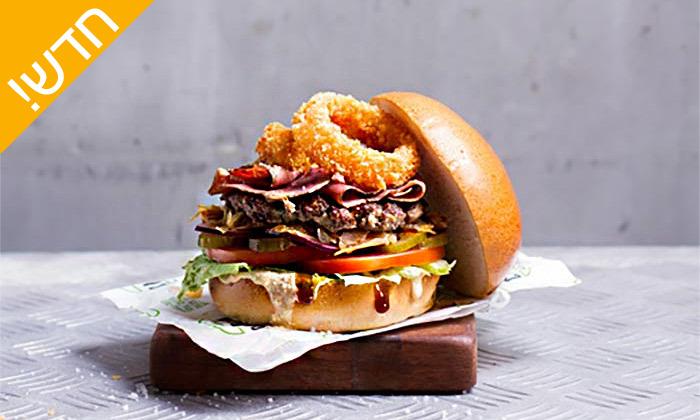 4 ארוחת המבורגר בקפטן בורגר, אילת