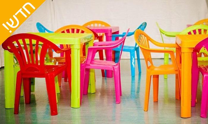 2 שולחן וכיסאות לילדים