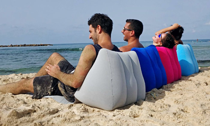 2 מזרן עם כרית מתנפחת לים