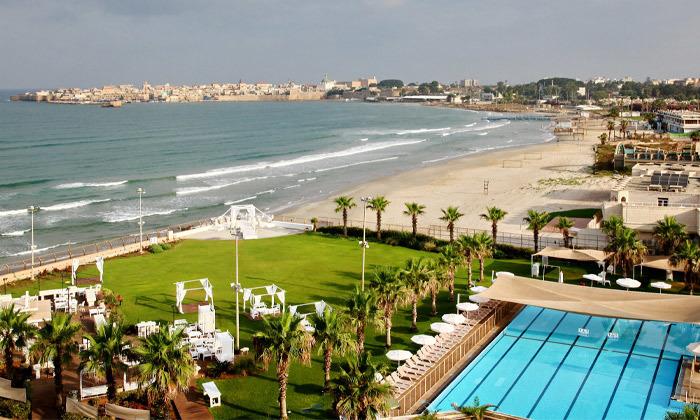 4 חבילת עיסוי וספא במלון חוף התמרים עכו