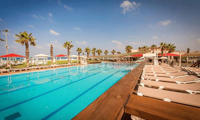6 חבילת עיסוי וספא במלון חוף התמרים עכו
