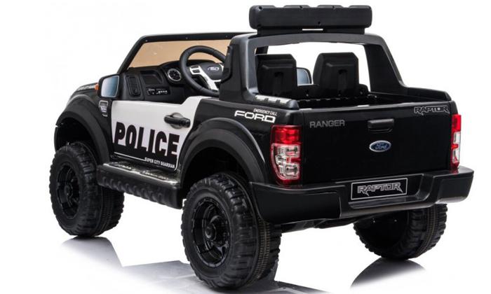 3  ג'יפ פורד משטרתי ממונע לילדים