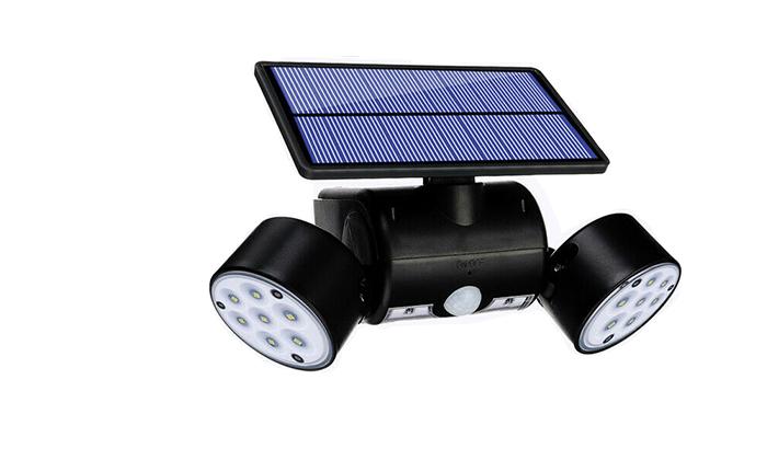 2 פנס סולארי עם חיישנים