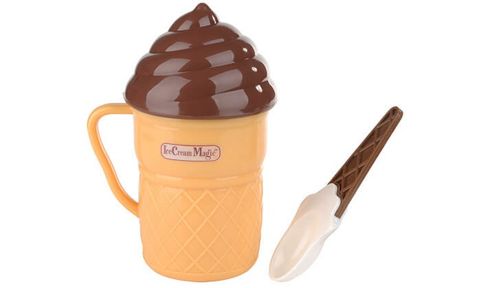 3 מכין גלידה ביתית לילדים