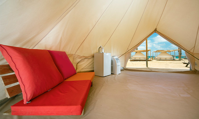 7 קמפינג באוהל משפחתי ממוזג עם ארוחת בוקר - מתחם הקראוונים חוף בצת