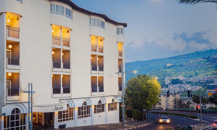 """4 חופשה במלון ג'ייקוב Jacob טבריה, כולל סופ""""ש"""