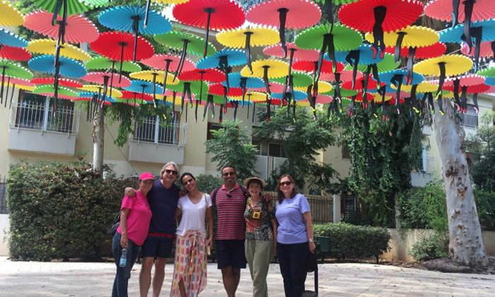 8 מטיילים בלב העיר: סיור שקיעה ביפו או סיור בוקר בתל אביב