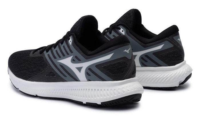 9 נעלי ספורט לגברים מיזונוMizuno