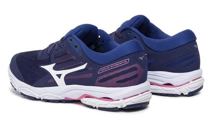 8 נעלי ספורט לנשים מיזונוMizuno
