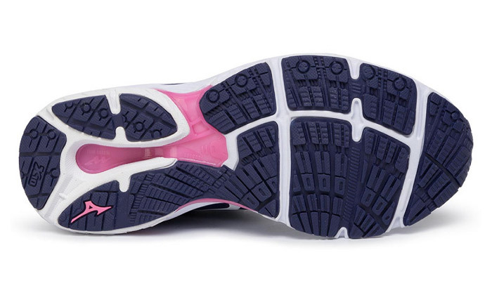 6 נעלי ספורט לנשים מיזונוMizuno