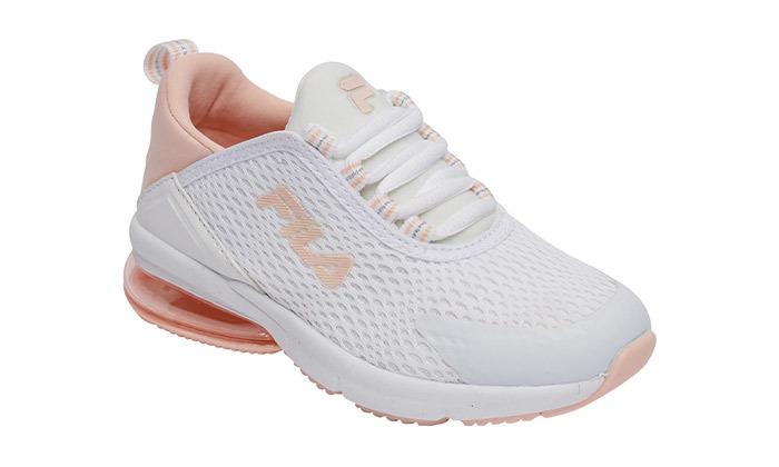 7 נעלי ספורט Skechers לבנים או FILA לבנות