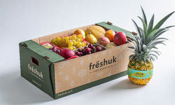 """3 מהחקלאי עד הבית: מארז 18 ק""""ג פירות וירקות טריים מ-Freshuk במשלוח למגוון מיקומים"""