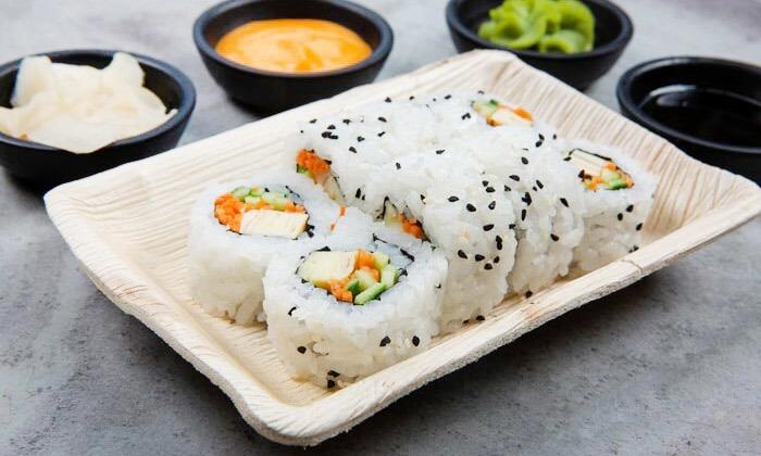 7 ארוחה משפחתית ב-T.A או משלוח ממסעדת NUCHI, כיכר המדינה