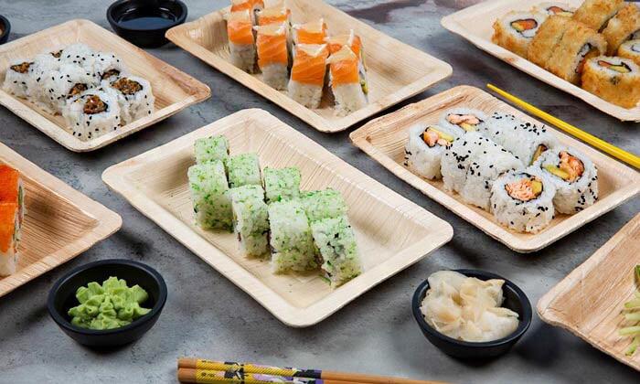2 ארוחה משפחתית ב-T.A או משלוח ממסעדת NUCHI, כיכר המדינה