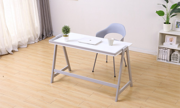 6 שולחן עבודה עם רגלי מתכת
