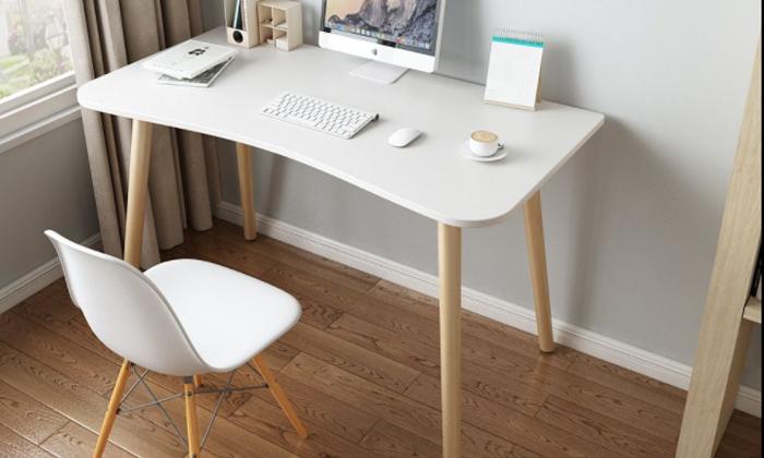 3 שולחן מחשב BARI - מתצוגה