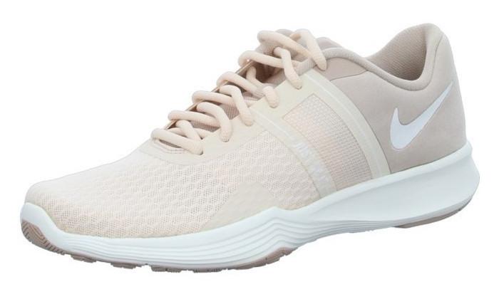 נעלי הליכה ואימונים נייקי לנשים Nike