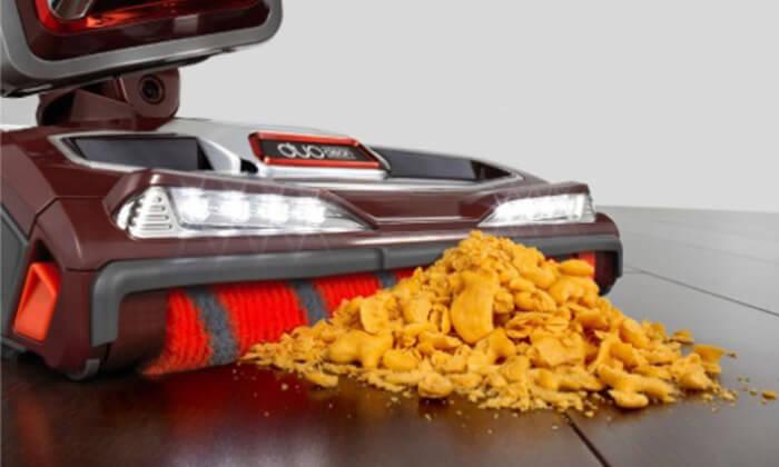 8 שואב אבק ציקלון חשמלי שארק SHARK מתצוגה