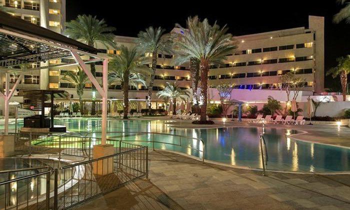 9 חופשה קולינרית במלון קיסר פרמייר אילת, כולל שייט והפתעות