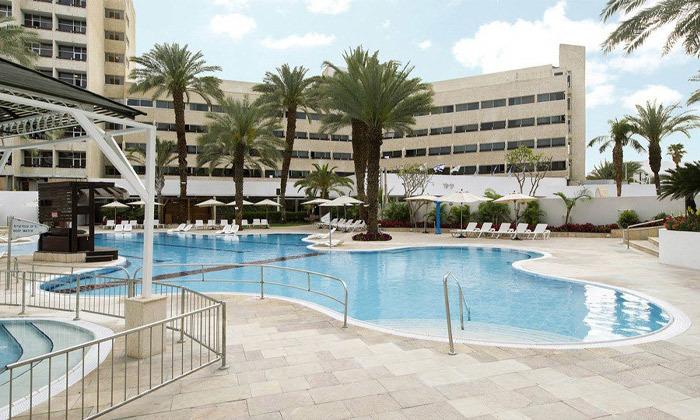 10 חופשה קולינרית במלון קיסר פרמייר אילת, כולל שייט והפתעות