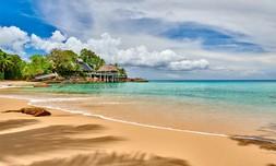 חופשה באיי סיישל, מלון Hilton