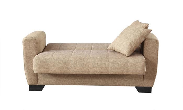 9 ספה תלת מושבית וספה זוגית, כולל 4 כריות נוי