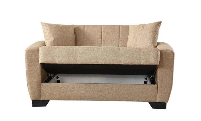 10 ספה תלת מושבית וספה זוגית, כולל 4 כריות נוי
