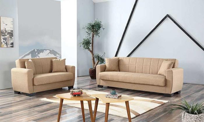 11 ספה תלת מושבית וספה זוגית, כולל 4 כריות נוי
