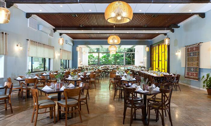 7 חופשה במלון עדן אין Eden Inn - זכרון יעקב, כולל ארוחת בוקר
