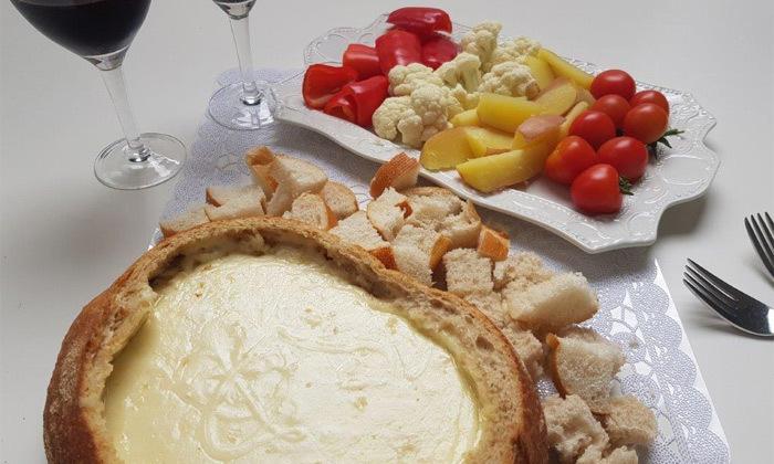 """10 פונדו גבינות לזוג ב-T.A מכפ""""ס או משלוח לשרון ולת""""א בתשלום"""