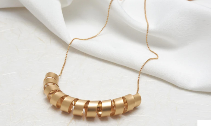 2 שרשרת ארוכה בשילוב ספירלה גדולה עשויה ציפוי זהב 24k