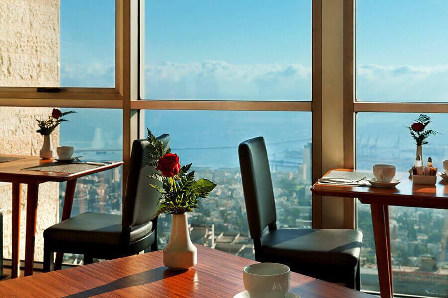 5 ארוחת בוקר בופה במלון קראון פלזה