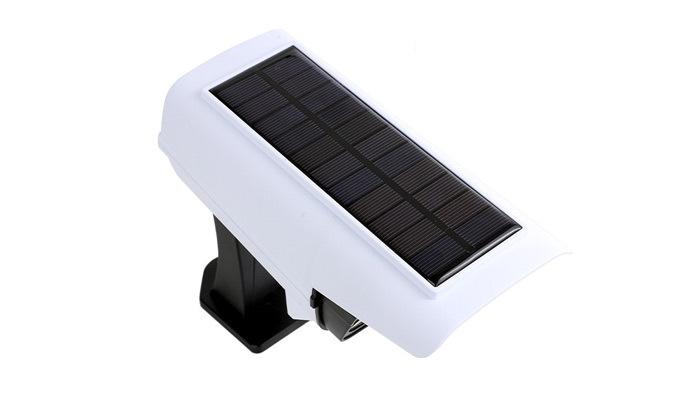 3 פרוג'קטור סולארי X-CAM עם 72 נורות LED המשמש כמצלמה MINIMAXX