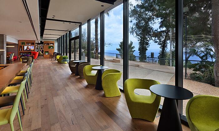 4 ארוחת בוקר בופה במלון Bay View חיפה
