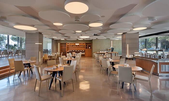 5 ארוחת בוקר בופה במלון Bay View חיפה