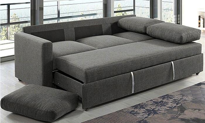 7 שמרת הזורע: ספה תלת-מושבית נפתחת למיטה
