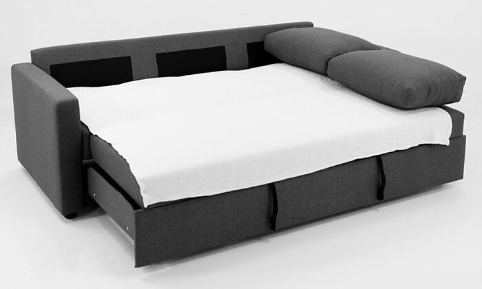 9 שמרת הזורע: ספה תלת-מושבית נפתחת למיטה