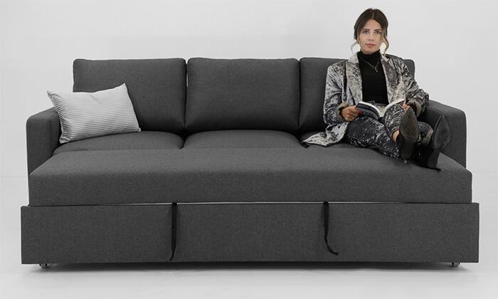 8 שמרת הזורע: ספה תלת-מושבית נפתחת למיטה