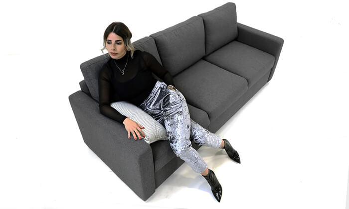 6 שמרת הזורע: ספה תלת-מושבית נפתחת למיטה