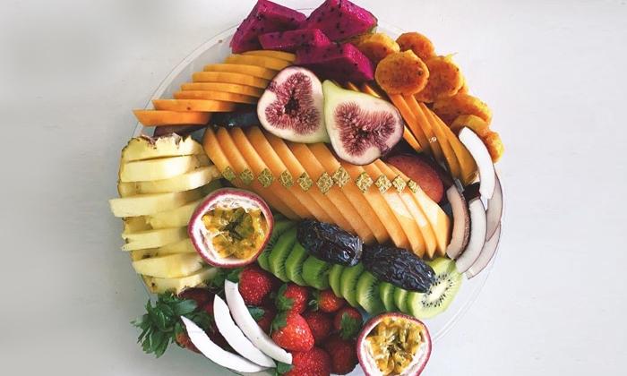 4 מגשי פירות מעוצבים מסניפי 'פרי אקזוטי' ברחובות ואילת