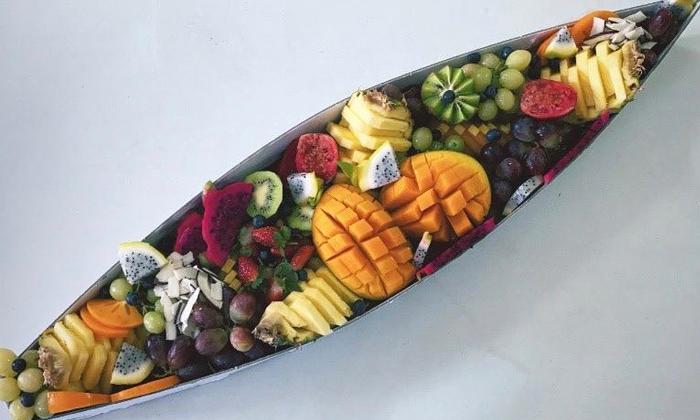 3 מגשי פירות מעוצבים מסניפי 'פרי אקזוטי' ברחובות ואילת