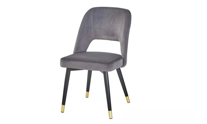 7 כיסא מרופד לפינת האוכל