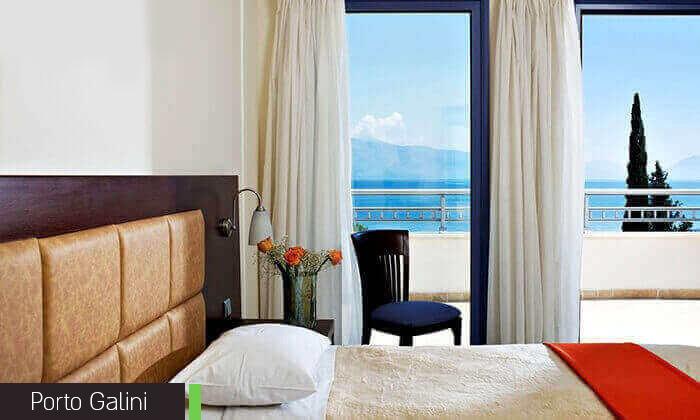 8 חופשת קיץ באי היווני לפקדה, 7 לילות במלון 5 כוכבים עם בריכה