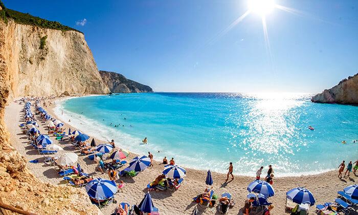 2 חופשת קיץ באי היווני לפקדה, 7 לילות במלון 5 כוכבים עם בריכה