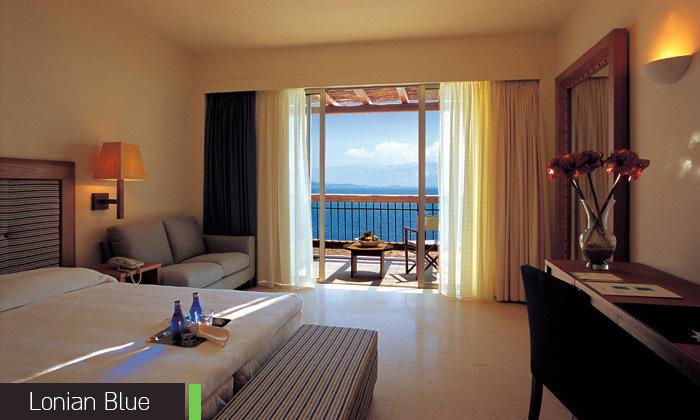 10 חופשת קיץ באי היווני לפקדה, 7 לילות במלון 5 כוכבים עם בריכה