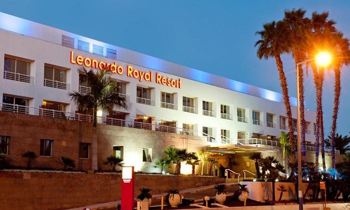 3 חופשה באילת לגיל השלישי: 4 לילות במלון לאונרדו רויאל ריזורט, הופעות והרצאות