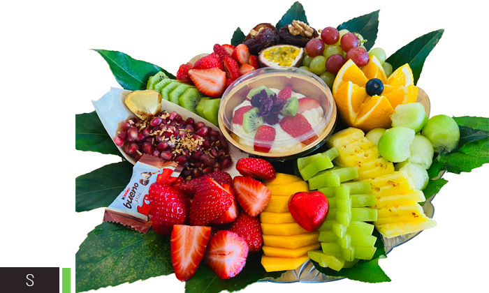 3 מגשי פירות וסושי מתוק באיסוף מבייקפרי ראש העין, משלוח בתשלום